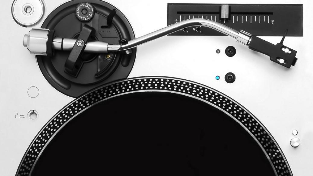 tumblr_static_music-record-dj-setup-vinyl-1440x2560